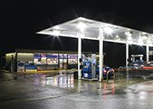 A gas station is powered during a storm thanks to a KOHLER generator