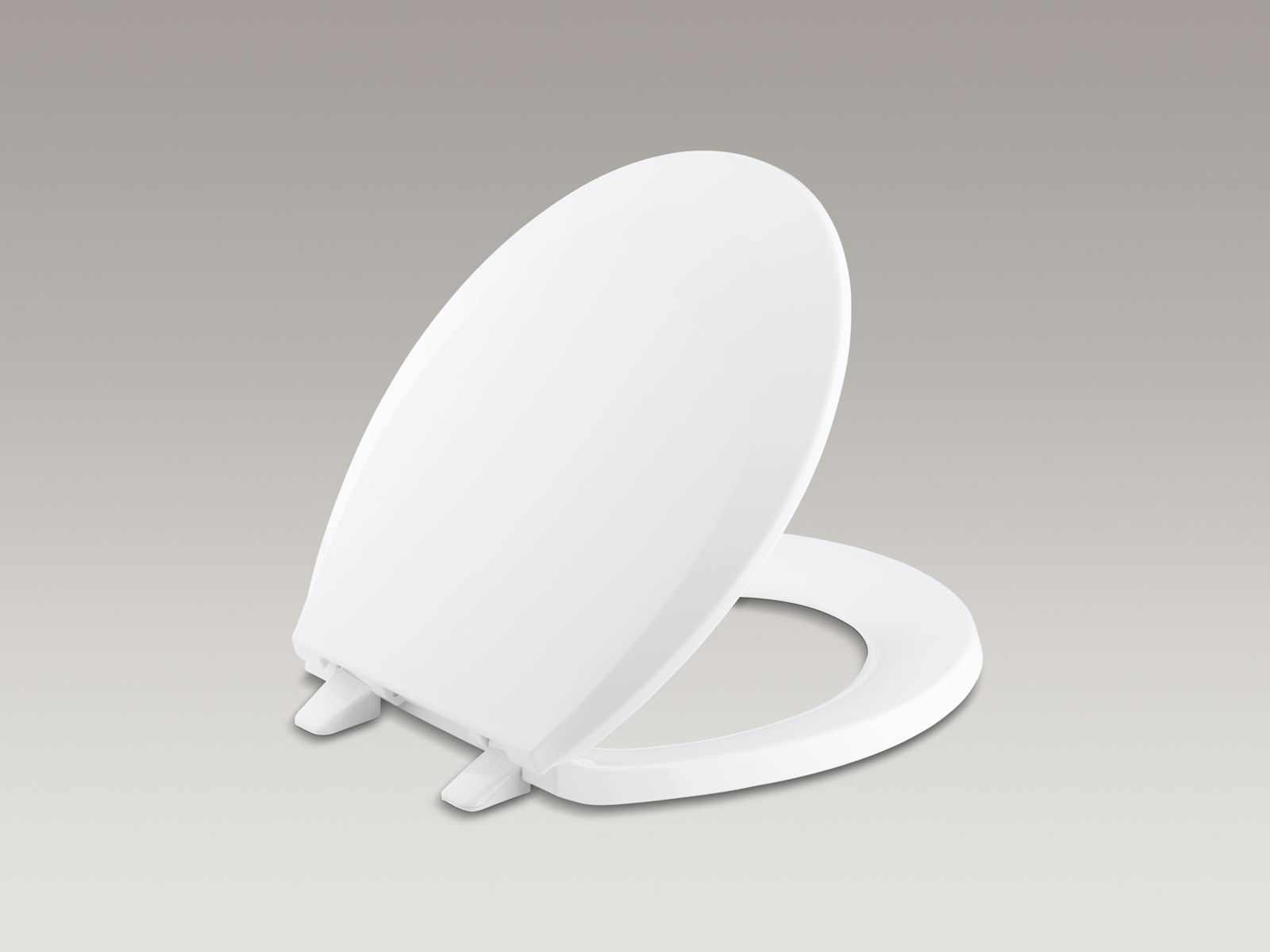 Lustra™ round closed-front anti-microbial toilet seat