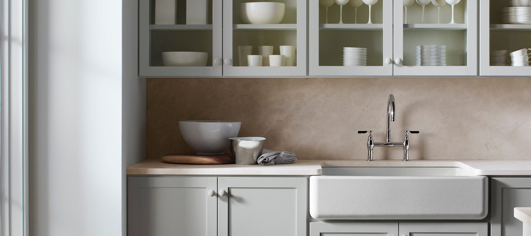 White apron sink