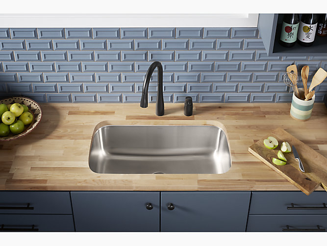 Mcallister 31 7 8 X 18 1 16 X 9 5 16 Undermount Single Bowl Kitchen Sink 11600 Na Sterling