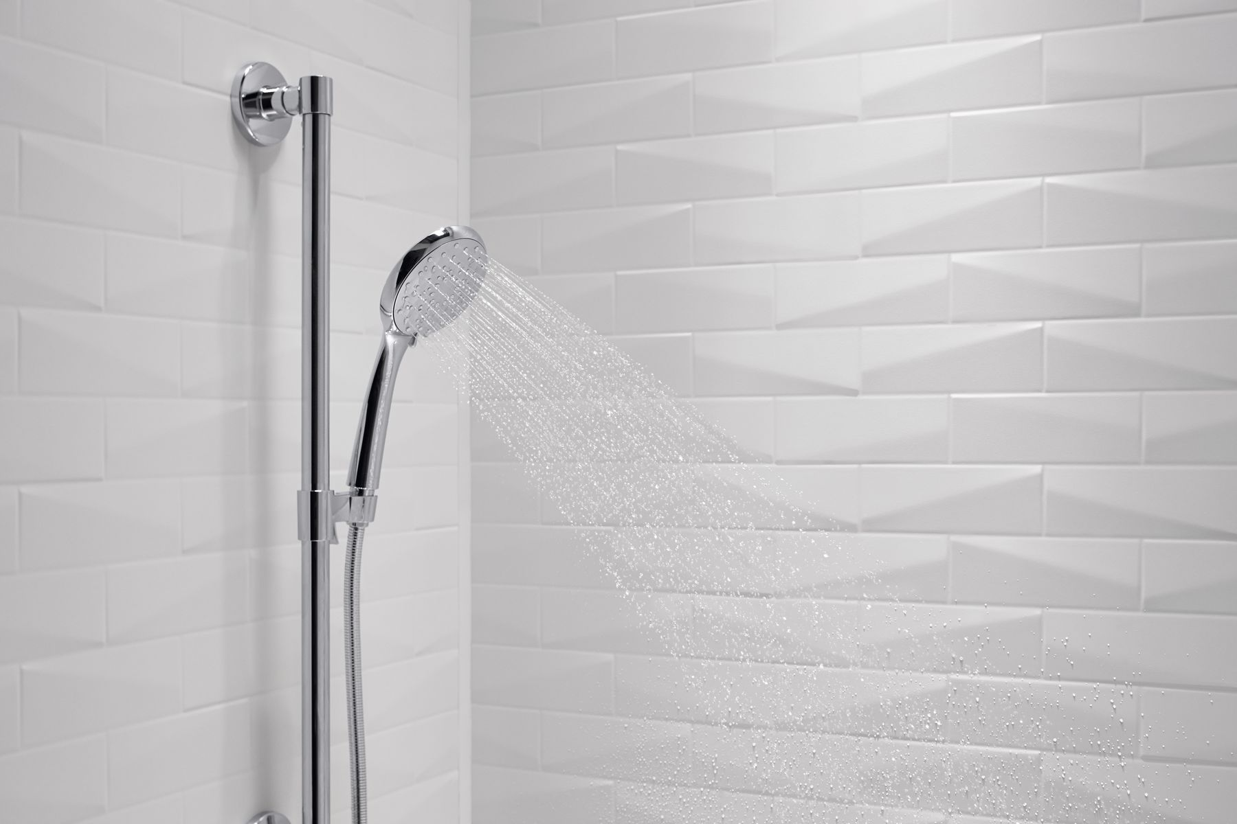 shower walls - Kohler Tub