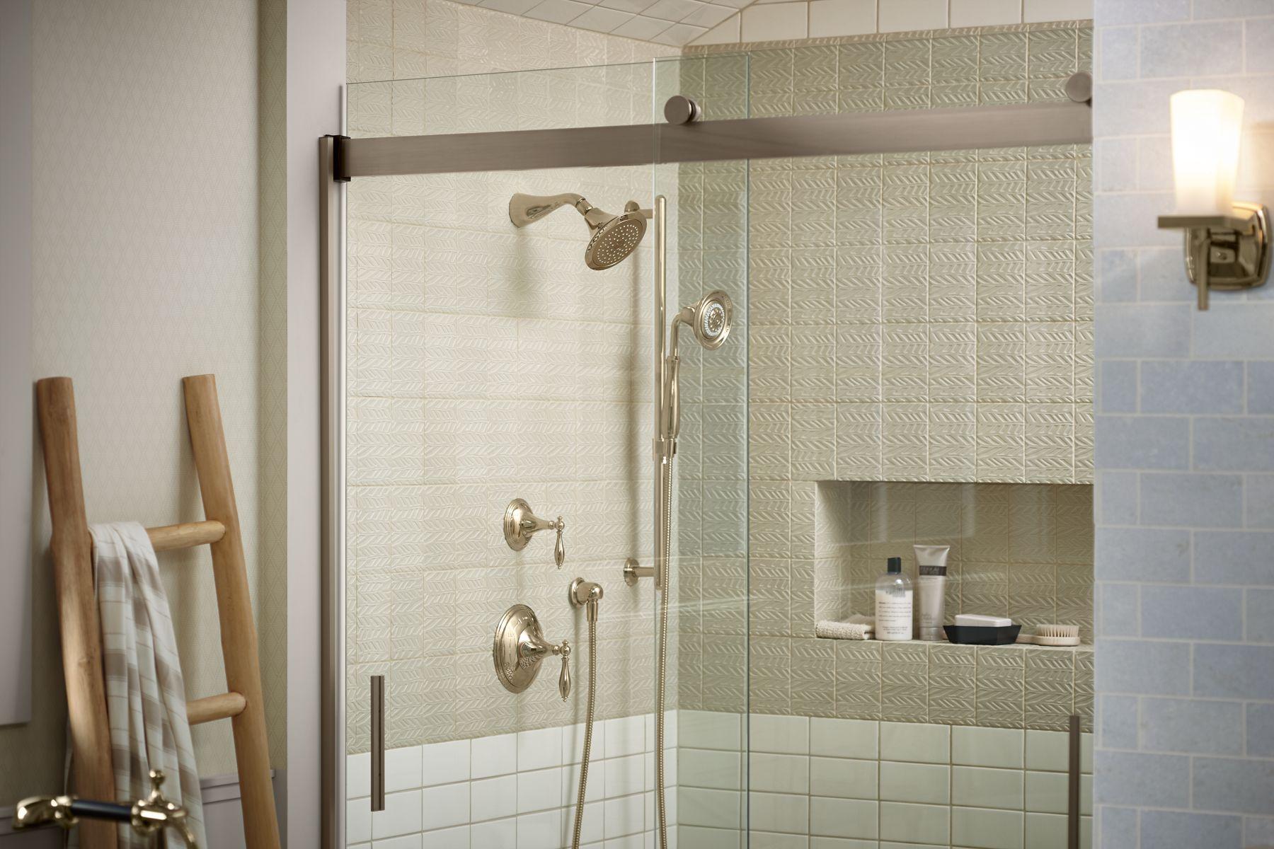 Shower with swinging door