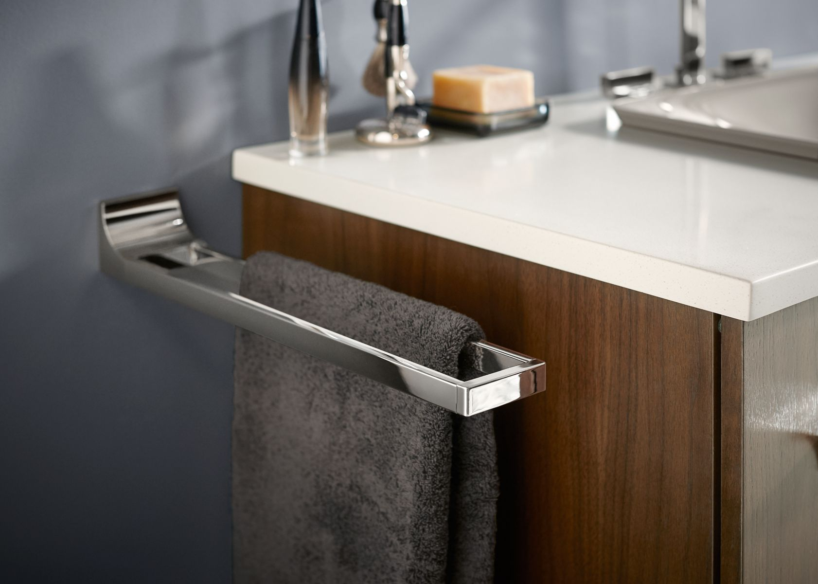 Charmant Bathroom Accessories, Hardware And Lighting Guide