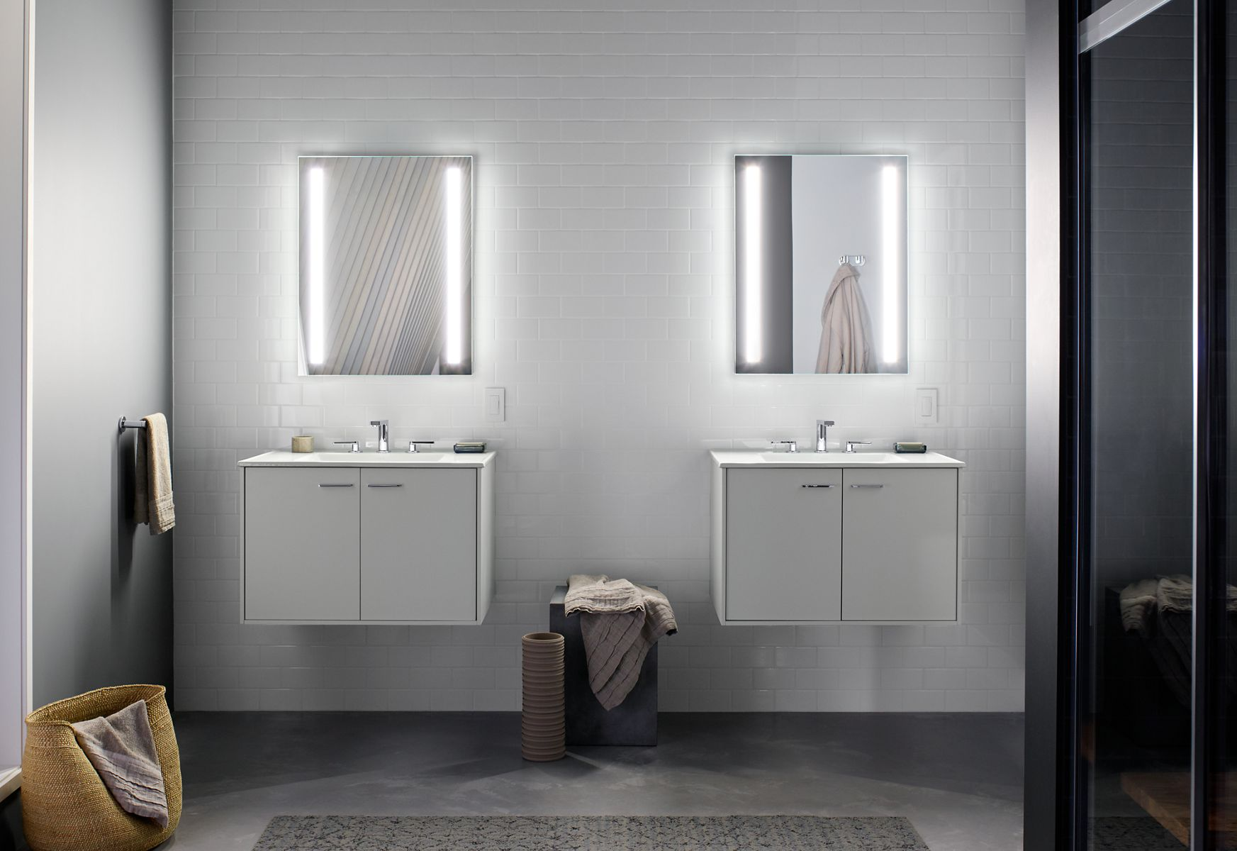 Classic Lighted Bathroom Mirror Set