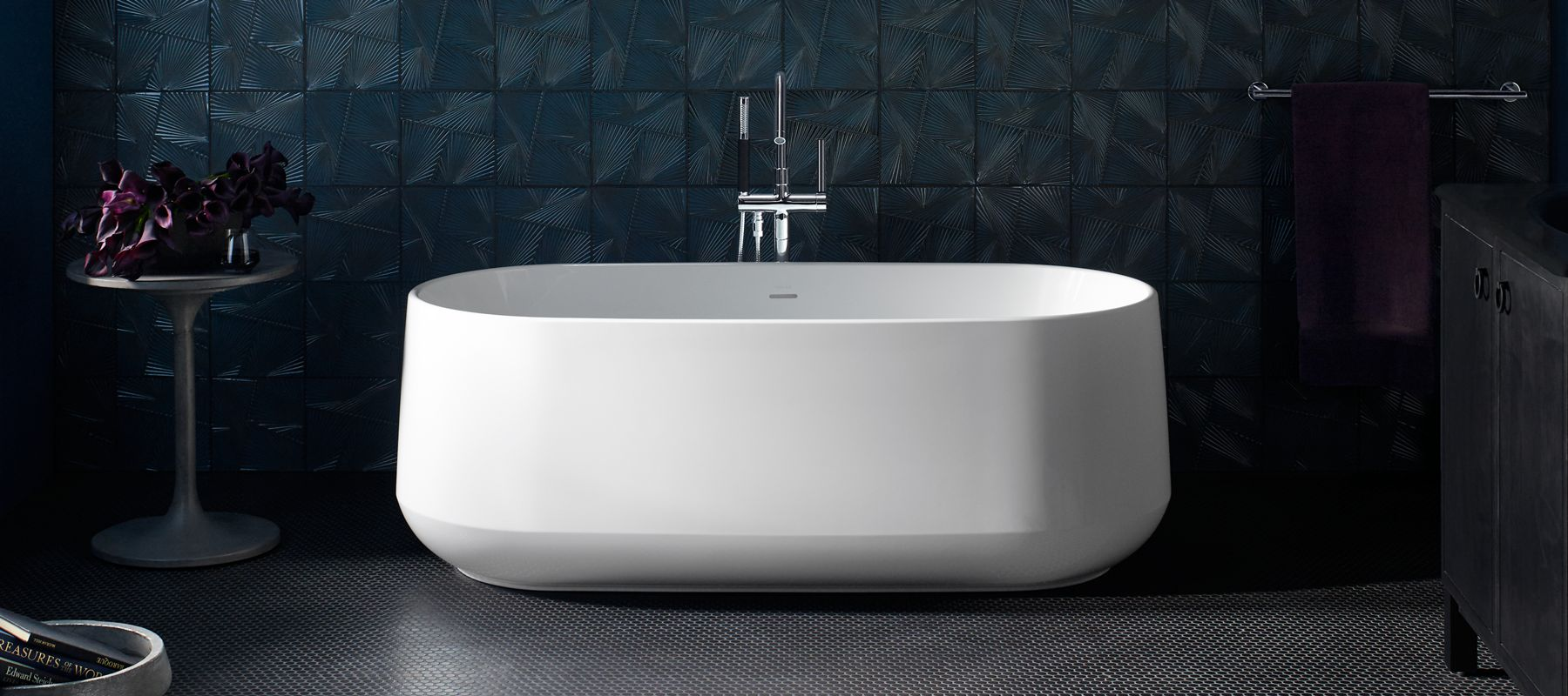 bathtubs white glossy center bathtub in schon colton flat freestanding drain bottom p ft